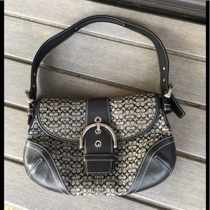 COACH BLACK SHOULDER BAG EXCELLENT USED CONDITION